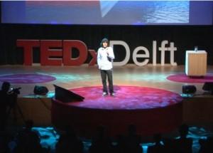 Boyan Slat föreläser på TEDxDelft